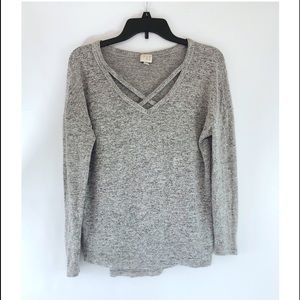 SALE 3/$10 ✨ charcoal grey heathered sweater top